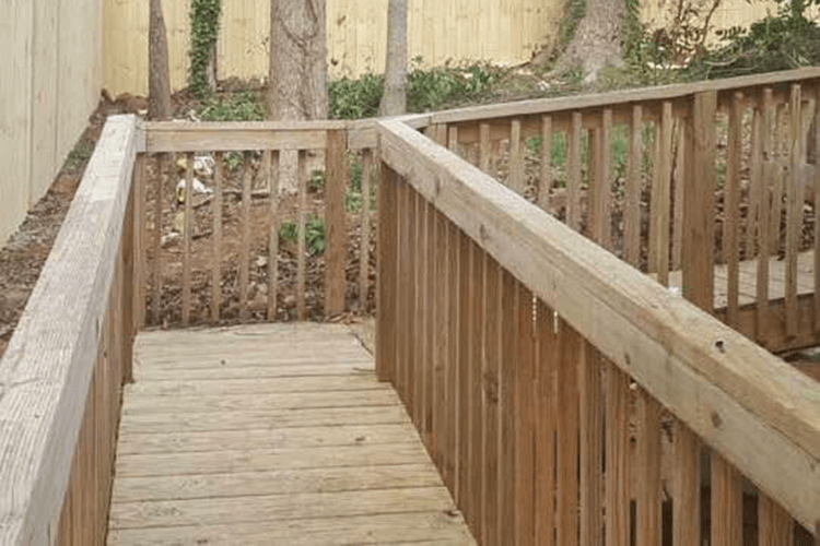 Privacy Fence Installation - R Contracting Services