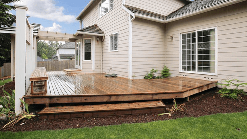 Custom Outdoor Living Space with a New Deck | R Contracting Services