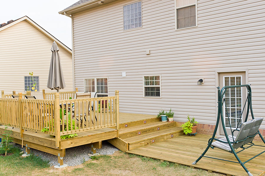 Custom Deck and Patio   R Contracting Services