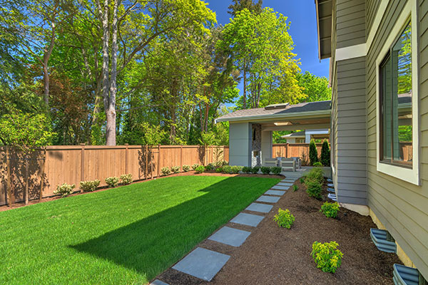 Privacy Fence and Deck Installation | R Contracting Services - Home Remodeling and Renovations - Creating Curb Appeal Around Atlanta